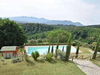 CHARMING HOLIDAY VILLA ON THE HILLS OF LUCCA PRIVATE POOL 7 BEDROOMS 7 BATHROOMS