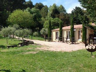 En Provence, Maison 6 personnes max. avec terrasse privée de 100 m2