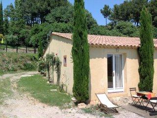 En Provence, gîte pour 2 personnes dans domaine 4 hectares