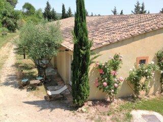En Provence dans le Sud de la France, gîte pour 2 personnes 'Studio Bleu'