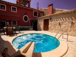 La Higuera Casa Rural para 9 personas en Blanca, Murcia, Spain.