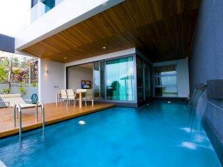 Beachfront Luxurious 3BR Villa on Sale