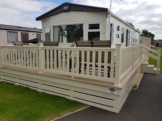 Luxury 3 bedroom, 8 Berth, 2017 ABI Oakley Caravan at Tattershall Lakes Park