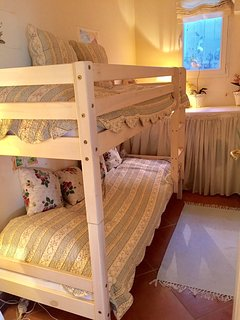extra 2 beds for children (6+2)