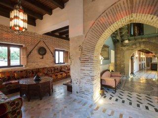Encantadora vivienda estilo Nazarí con gran jardín