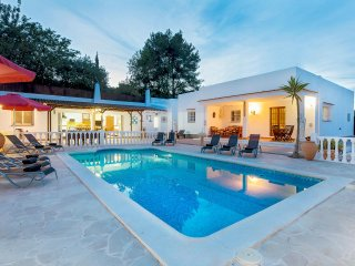 Villa Isabelle, in Ibiza Town, perfect for groups!