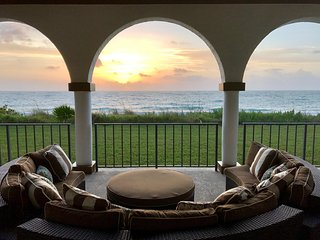 Coastal Elegant Ocean & Beachfront Vacation Home with pool, Vero Beach, Florida