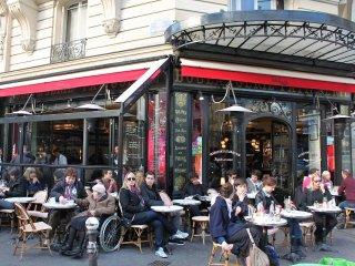 Rue du Temple & its streets - Paris is beautiful!