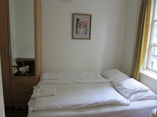 Cozy double bedroom Grunerlokka with private ensuite shower/bath