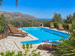 VILLA OLIMPIA with 4 bedrooms, swimming pool and sea view