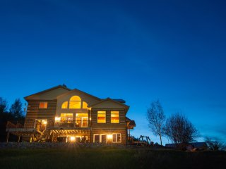 Star Valley Lodge-One hour from Jackson Hole, WY