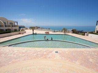OCEANFRONT, BEAUTIFUL BIG APARTMENT WITH POOL