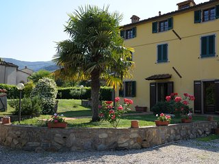 TUSCAN VILLA IN THE LUCCA HILLS