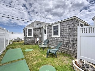 Quaint 2BR Wakefield Beach Cottage Steps to Ocean!
