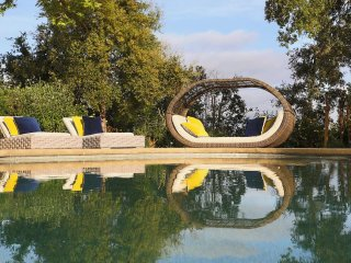 Your Own Private Resort in Healdsburg Wine Country, Only 3 Miles from Downt