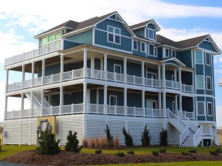 Wa-hoo Hatteras 8 Bedroom Oceanfront Luxury Home w/1 Day of Free H2OBX TIckets