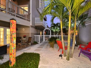 Siesta Beach -Hide-A-Way Suite-
