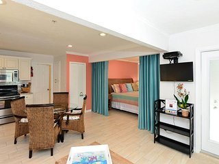 Hibiscus Suite -Best Beach Location of Siesta Key-