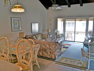 Come relax on the beach and stay in this 2 bedroom / 2 bath condo.