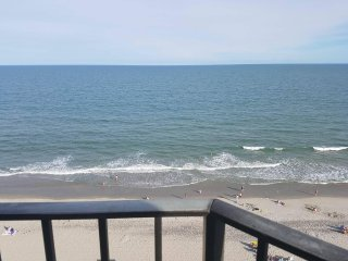 Oceanfront sun suite -903