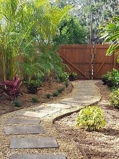 Votre jardin privé et l'entrée d'un nid de Bertie.