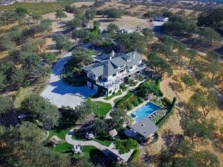 High Ridge Manor Whole House Rental