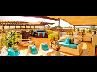 Tropical ambiance luxury Penthouse & jacuzzi