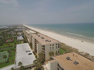 Ocean Front Luxury Condo, Tempur Pedic Mattress - Weekly Rentals Only