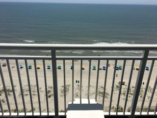 PH51, Deluxe 2 br Oceanfront Penthouse on 14th Floor, Near Broadwalk
