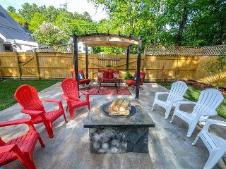 3BR Home w/ AC! Walk to the Village!  Fully Fenced in yard w/ Fire Pit