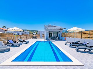 New Beachfront villa,Private pool,Next to everything,No car needed,BlueOyster2