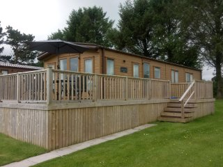 Luxury lodge, Moreton Farm Leisure Park