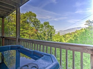 NEW! 2BR Gatlinburg Cabin w/ Hot Tub & Mtn Views!