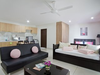 Royale Homestay Classic Studio at KSL City