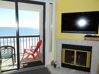 REDUCED RATE-Beach! Pool! Relax! Enjoy the views on your ocean front balcony!