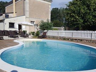 Maison de caractere  avec piscine chauffee