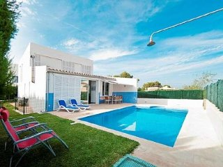 Modern house with 3 bedrooms for 7 person en Son Serra de Marina.