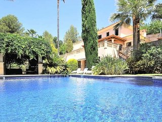 Chalet in Sa Coma de Bunyola- MALLORCA- 8 pax. Satellite TV. Private pool. BBQ A