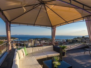 Amazing view Penthouse with a large terrace in Makarska