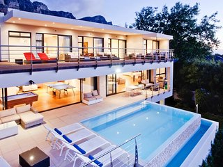 Bespoke Spacious Camps Bay Villa - Atlantic Retreat