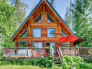 Timber Frame is perfect lakeside vacation home for creating lasting memories.