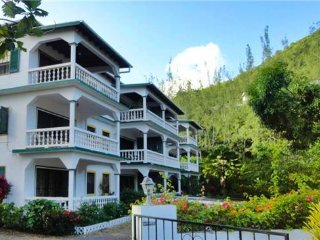 Reduit Beach Apartment - St.Lucia