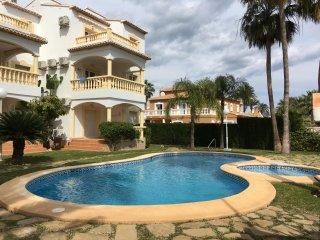 Bonito, muy luminoso y tranquilo apartamento a 300 mtrs de la playa Las Marinas