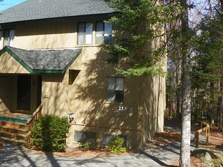 Pet Friendly Waterville Valley Condo with White Mountain Athletic Club Membershi
