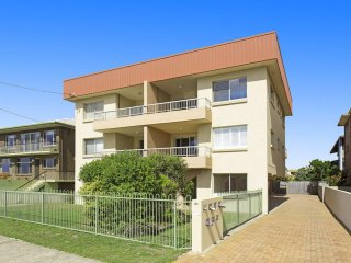 MARINE COURT KINGSCLIFF