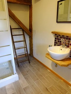 Double en-suite bathroom.