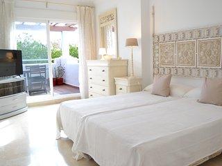 Spacious 3 bedroom apt close to the Beach - Nueva Alcantara Beach