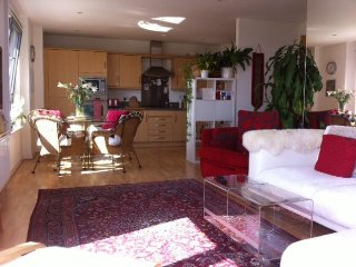 3 bedroom bright modern flat with sweeping views across the city and sea.