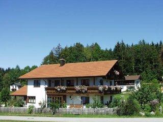 Ferienwohnung**** mit 2 Schlafzimmern - Chiemgau Karte kostenlos