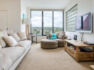 Stylish Mornington Penthouse